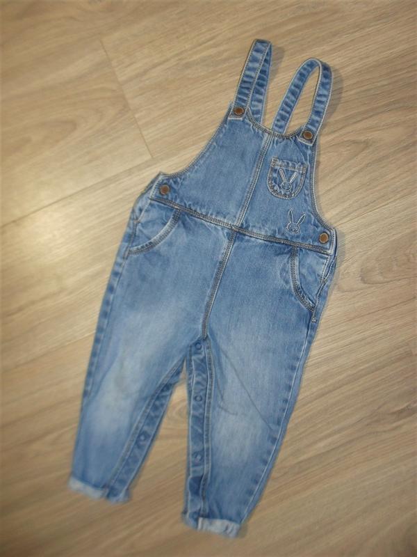 Стильный джинсовый комбинезон на 12-18мес