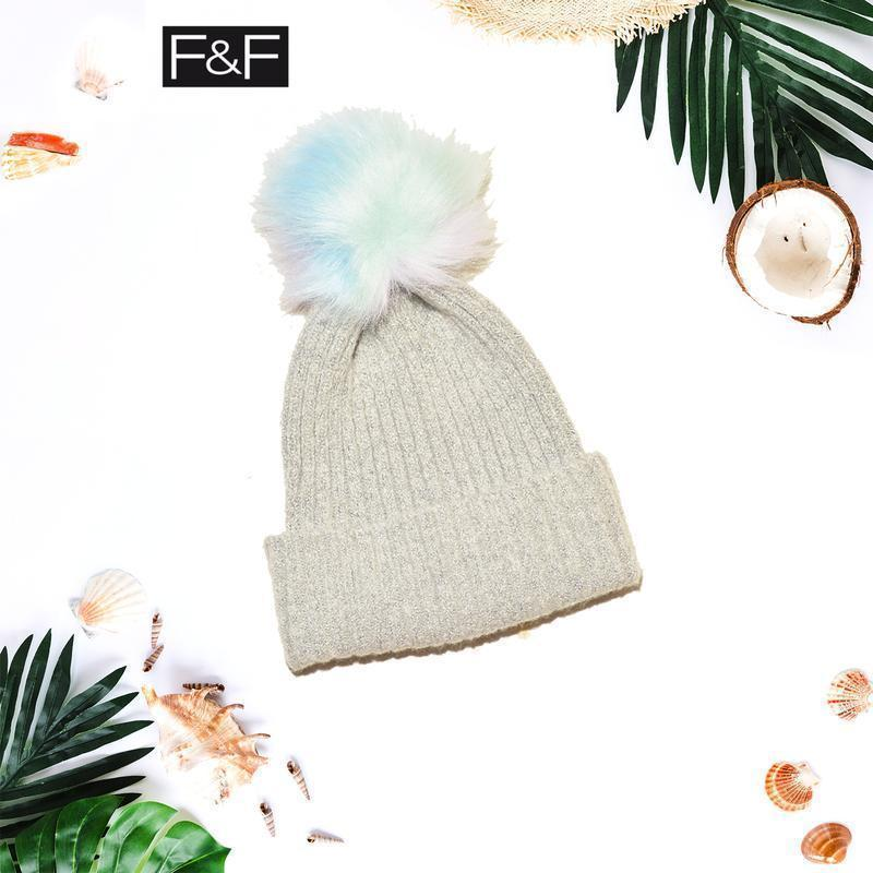 Новая шапка с разноцветным помпоном f&f