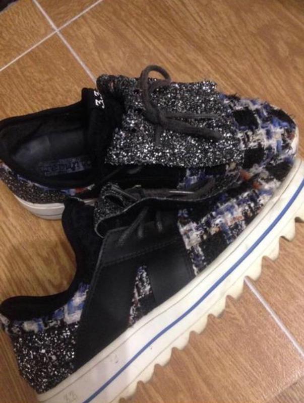 Стильні кросівки (тепла осінь)