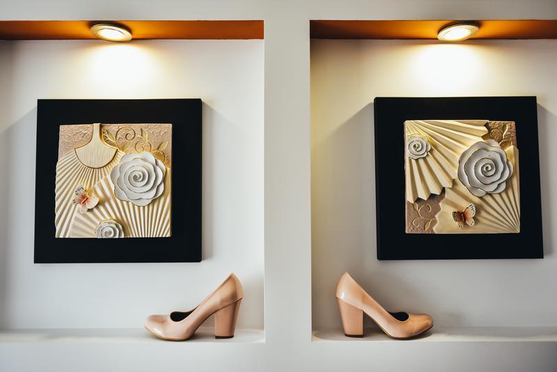 Бежевые туфли на удобном каблуке