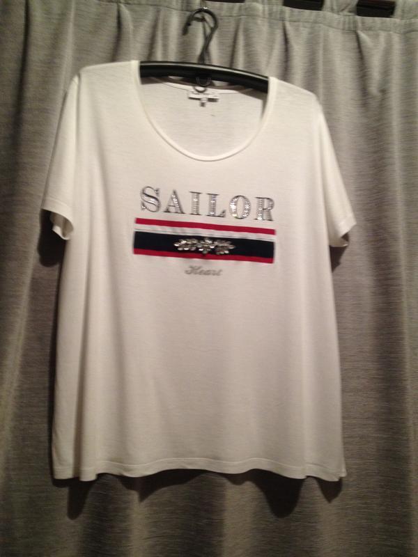 Оригинальная белая футболка большого размера.324