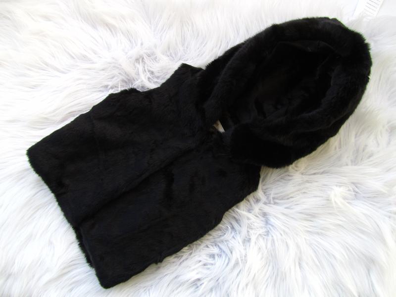 Стильная теплая жилетка с капюшоном f&f