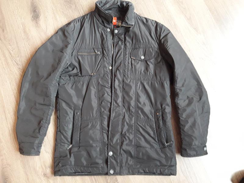 Демисизонная курточка 100 грн.