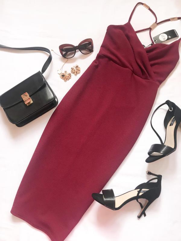 Бордовое платье boohoo р.10