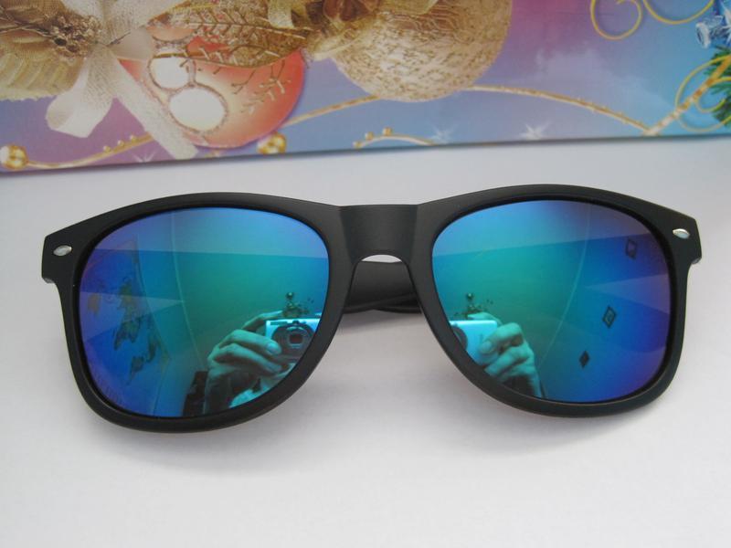 1.очки солнцезащитные,зеркальные + мягкий футляр мешок