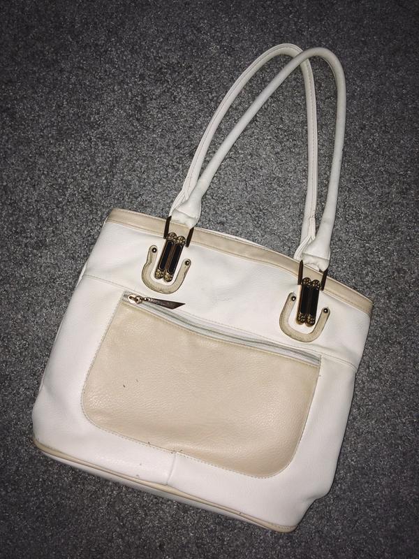 Белая сумка с длинными ручками