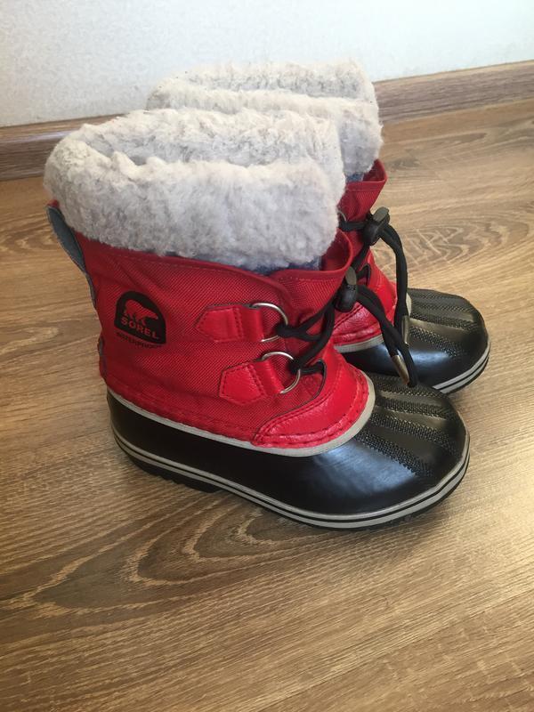Зимові брендові чобітки