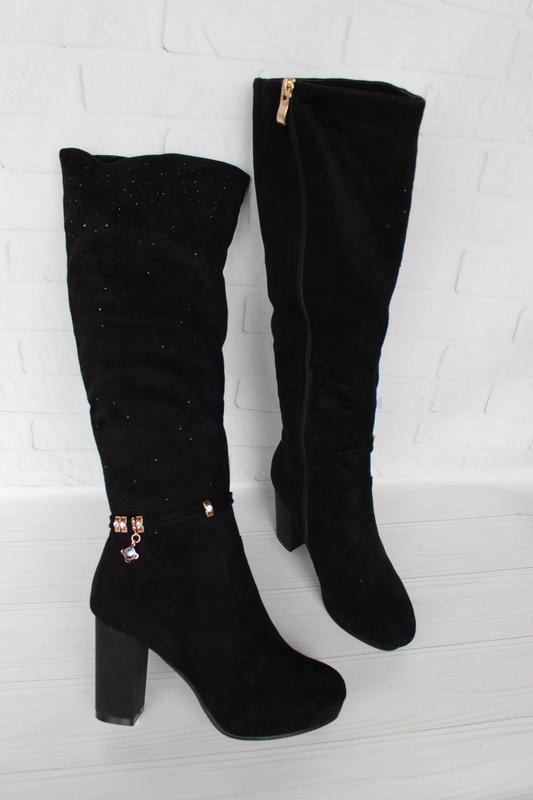 Зимние сапоги, сапожки 37 размера на устойчивом каблуке