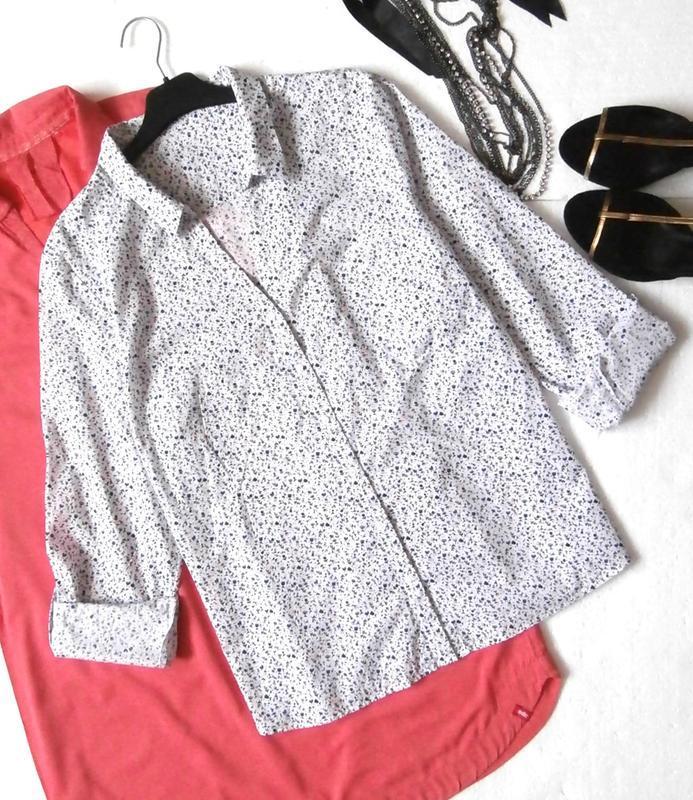 Легкая рубашка в цветочек