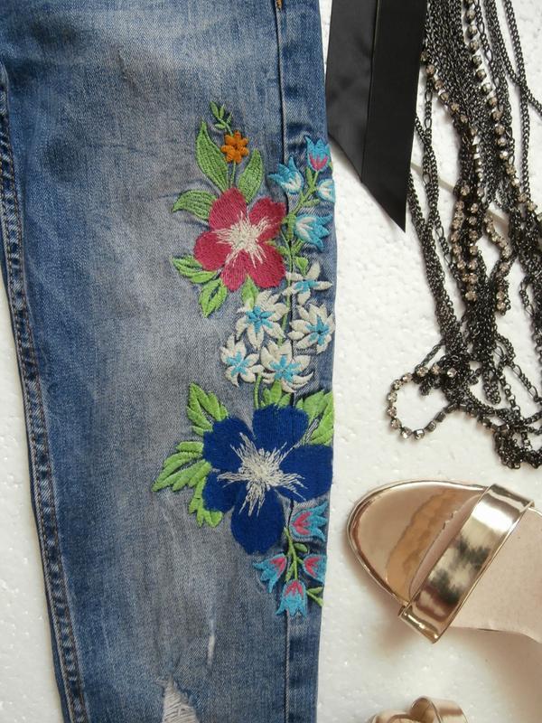 Изумительные джинсы zara с вышивкой - Фото 3