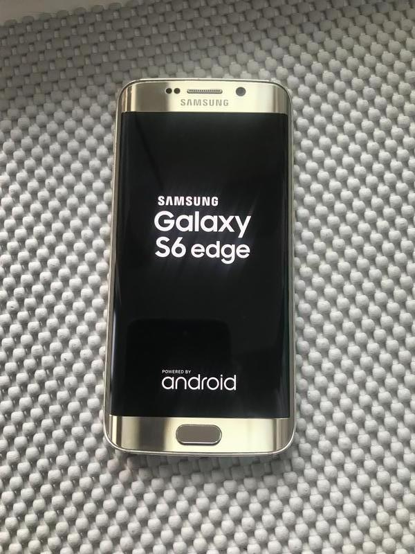 Samsung 6edge 32gb.