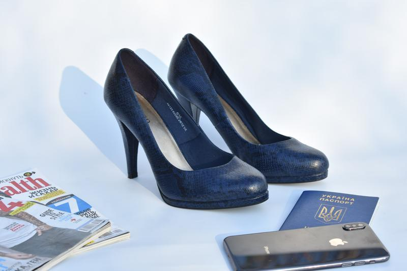 Женские туфли на платформе синие принт змеи размер 39 змеиная ...