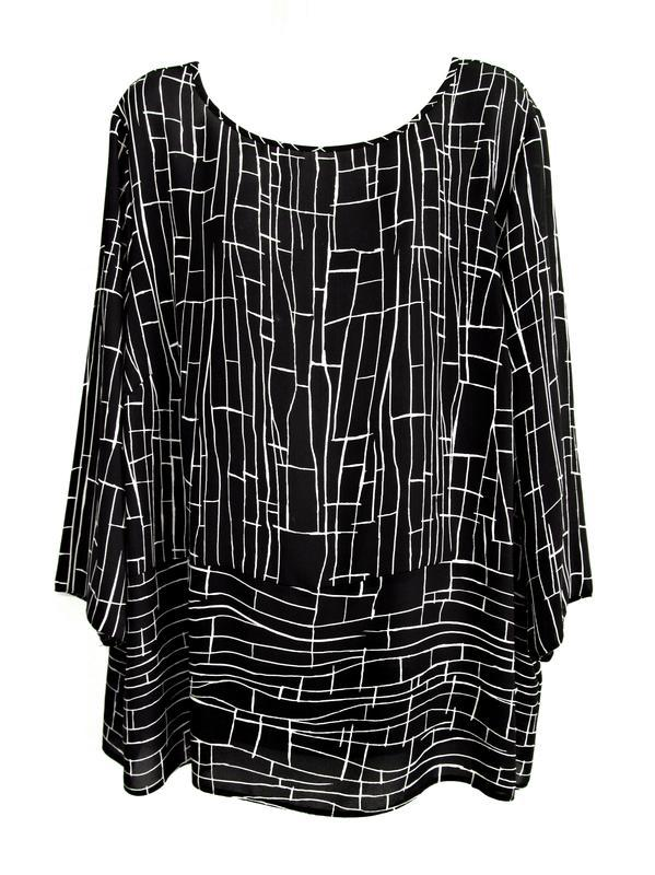 Красивая блуза с геометрическим принтом р.20