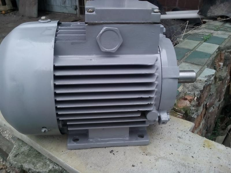 электродвигатель  АИР 80А2       1.5 квт. 3000 об\мин