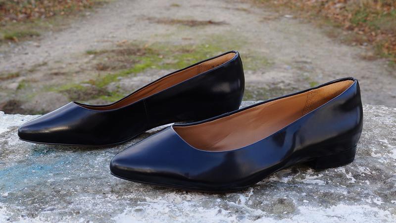 Шкіряні туфлі, балетки clarks artisan