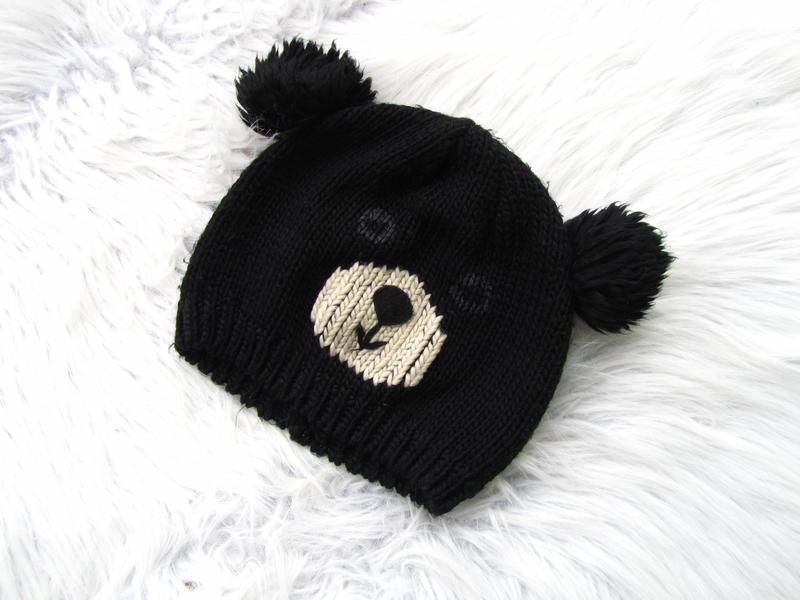 Стильная теплая  шапка мишка