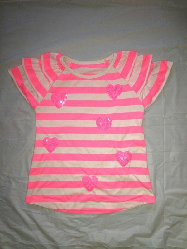 Неоновая ярко розовая полосатая футболка с сердечками на девоч...
