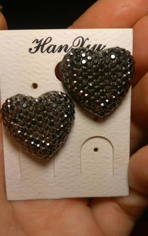 "Серьги ""сердечки""/сердце/сердечко/с камнями"