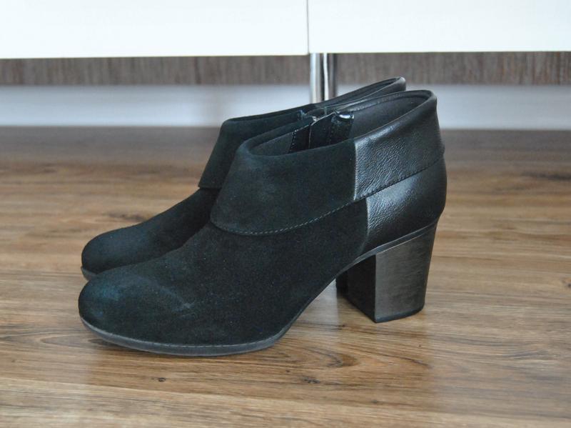 Кожаные ботильоны ботинки clarks /шкіряні ботильйони