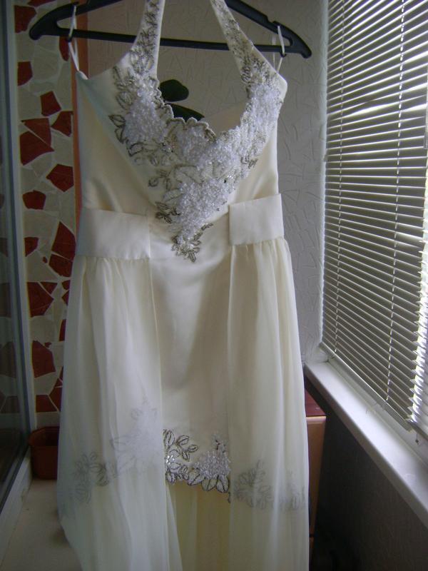 Платье свадебное, вечернее.