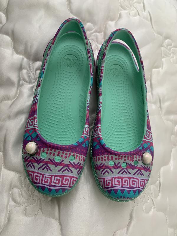 Мега красивые и удобные crocs балетки крокс в узор с блёстками