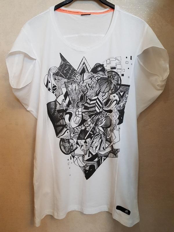 Белая футболка adidas, оригинальный фасон - Фото 3