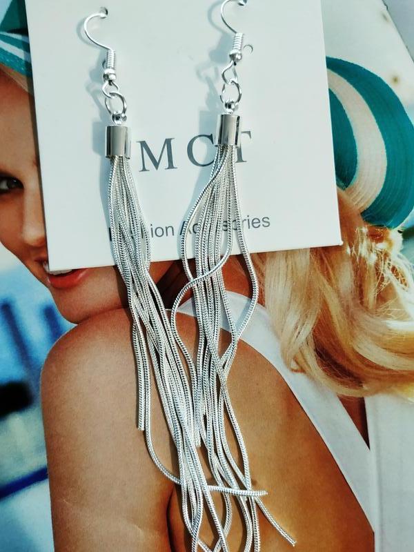 Длинные серьги серебристого цвета - Фото 6