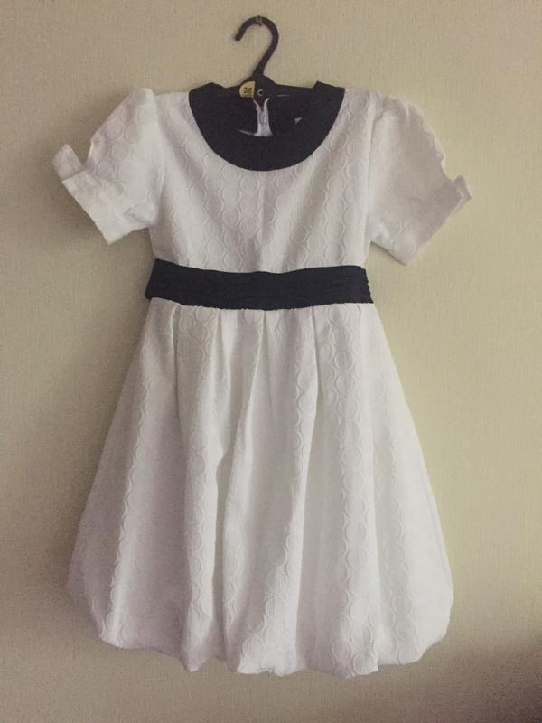 Платье нарядное 5-6-7 лет