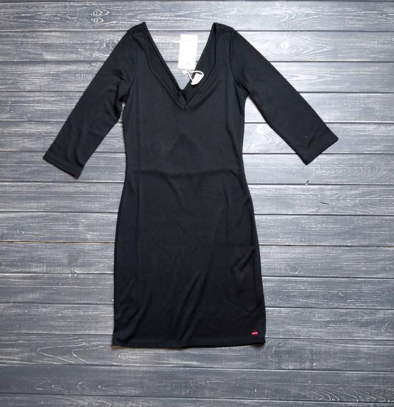 ❄распродажа!❄ черное платье с красивым декольте и вырезом на с...