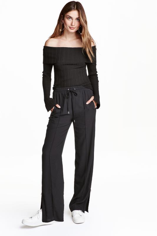 ❄распродажа!❄ легкие черные брюки с молниями от h&m