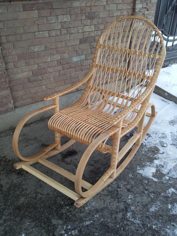 Кресло-качалка плетенное из лозы