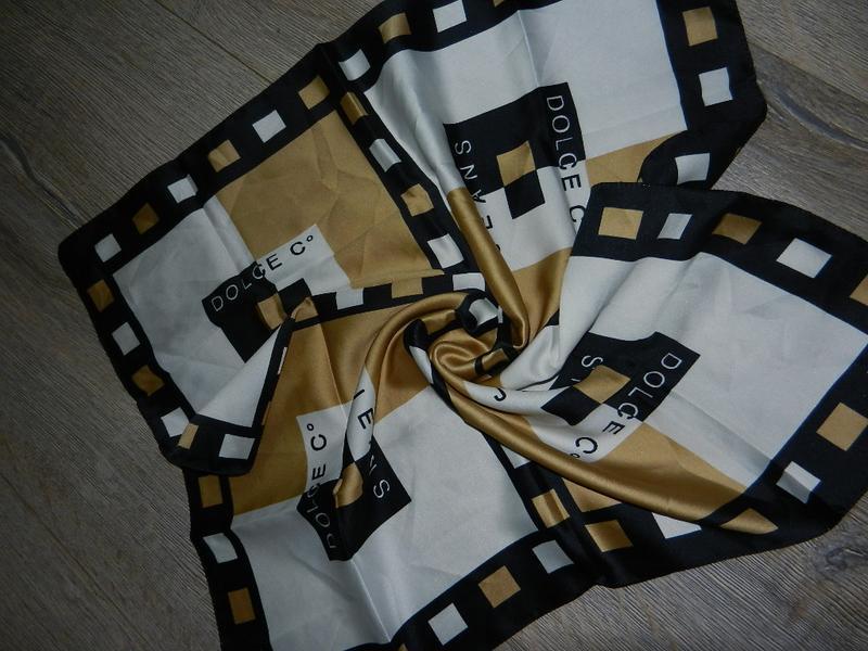 Dolche jeans,италия бежевый платок, косынка