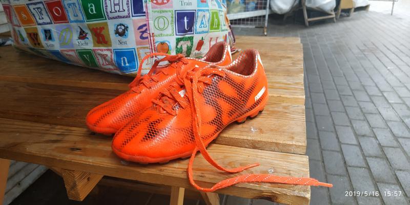 Копки Adidas Розмір 34 FR