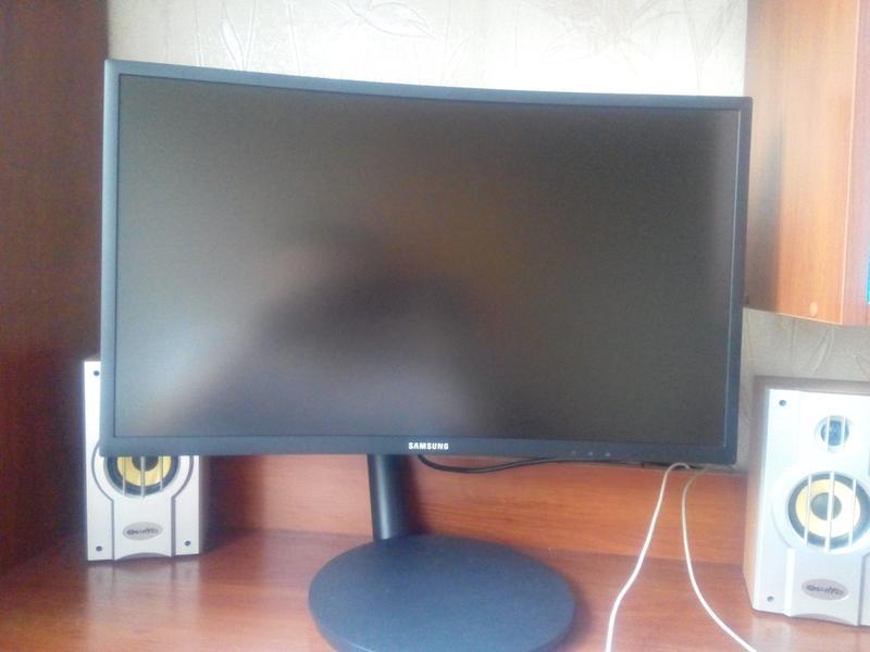 Игровой монитор Samsung C24FG70F 1ms, 144Hz, Curved - Фото 3