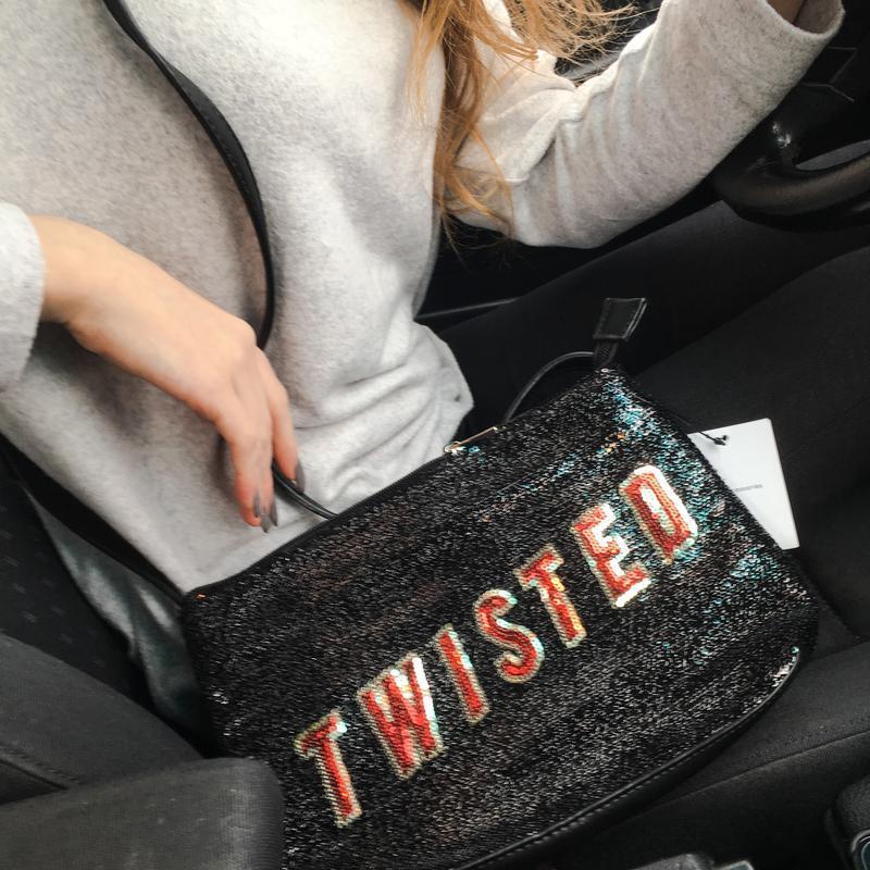 Сумка сумочка черная кросс боди с надписью с паетками блестками