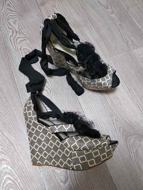 Босоножки сандалии на соломяной плетёной танкетке подошве