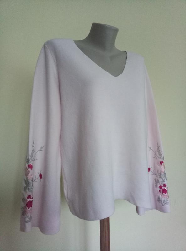 Нарядная блузочка с вышивкой трикотажная
