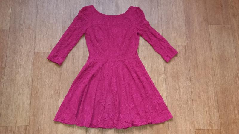 Платье из кружева нарядное