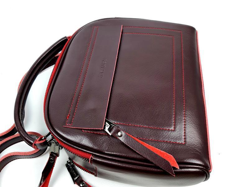 Женская кожаная сумка бочонок бордового цвета - Фото 5