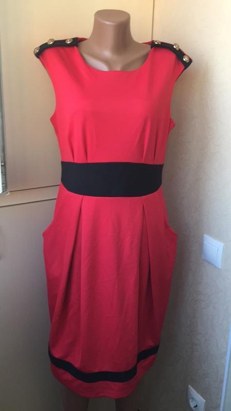 Красивое платье с карманами