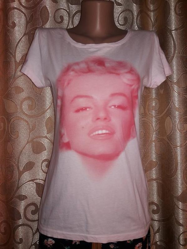 🔥🔥🔥стильная трикотажная футболка с принтом h&m🔥🔥🔥