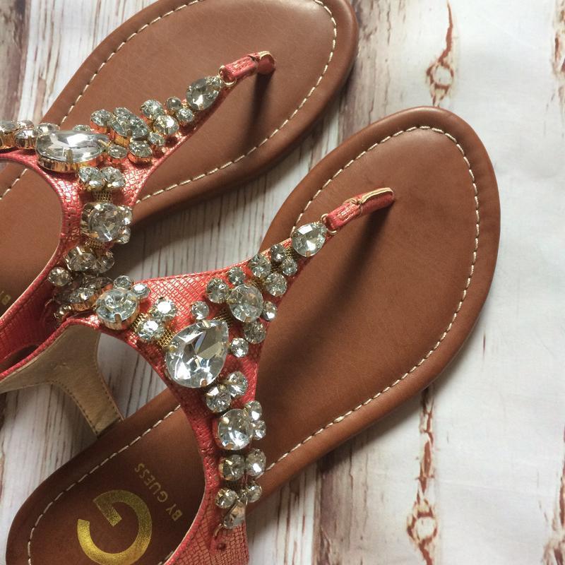 Красивые сандали вьетнамки guess оригинал