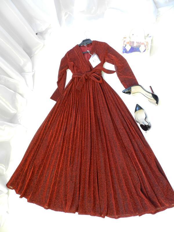 Красивенное платье с люрексом