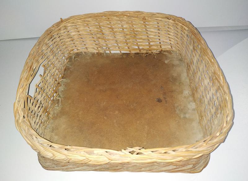 Б/у Плетеная корзина плетеный лоток 40 * 40 * 13 см