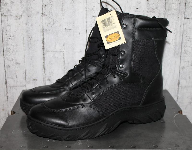 Oakley оригинальные тактические ботинки 48-49 размер.