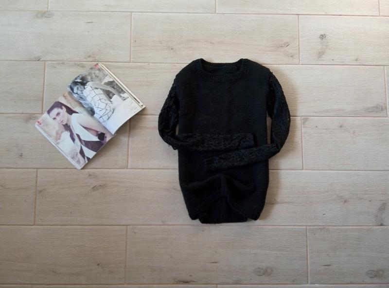 Стильный свитер с кружевными рукавами р. xs-s