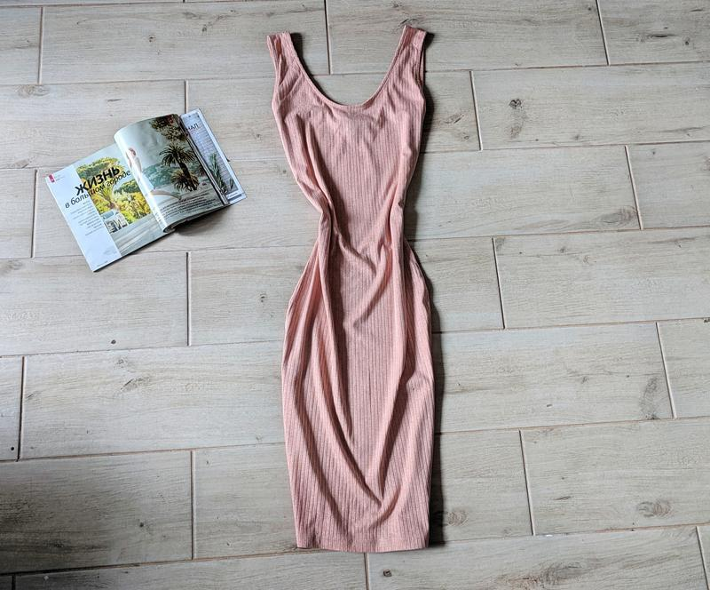 Красивое платье миди в рубчик по фигуре m l