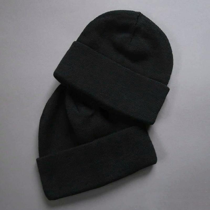 Шапка бини бомжатка черная с подворотом унисекс женская мужская