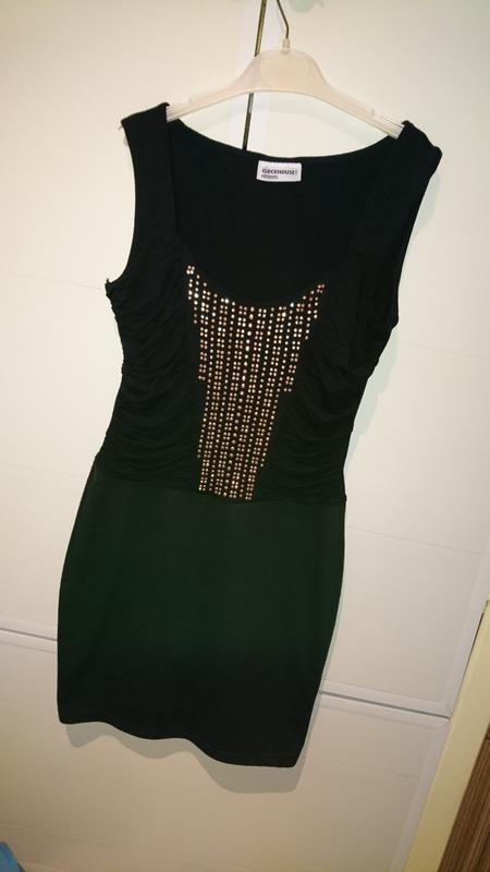 Красивое, нарядное черное платье