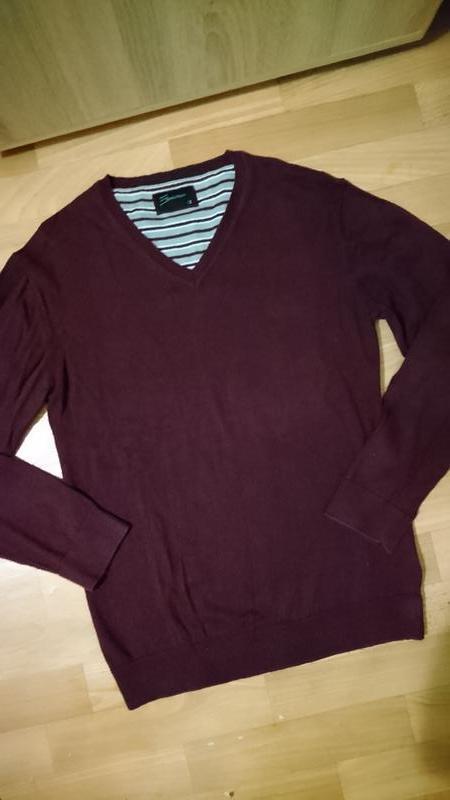 Джемпер темно бордового цвета